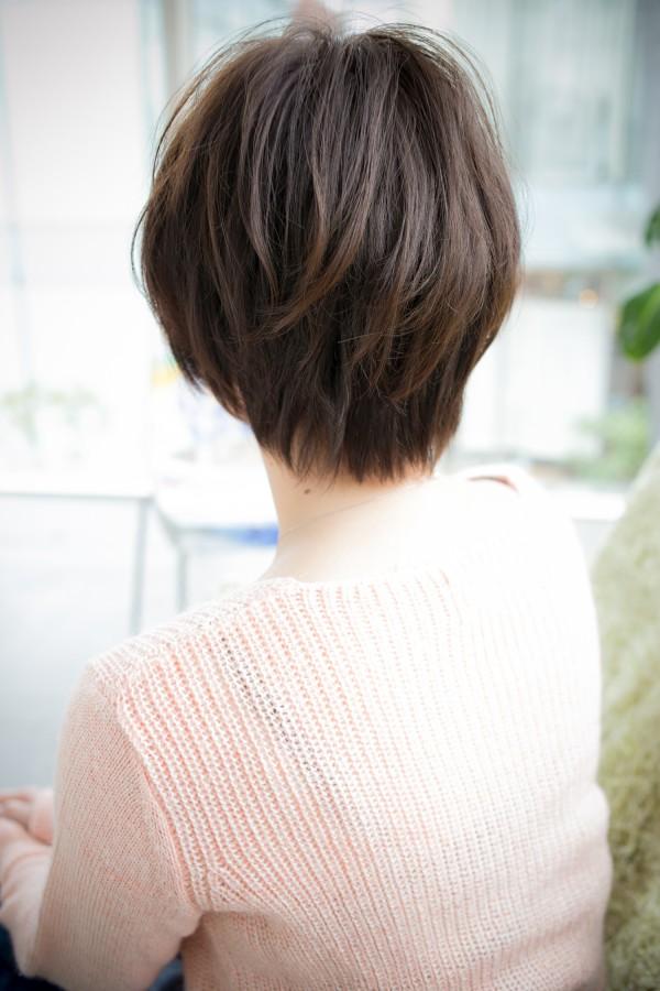 長め前髪でしなやか大人めニュアンスショート