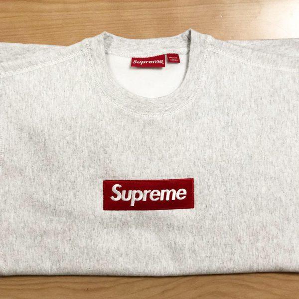 Supremeボックスロゴのスウェット